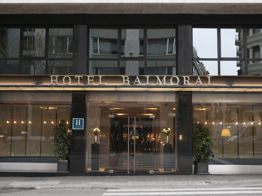 f1 montmelo hotel con entrada f1 barcelona gp entradas gp barcelona circuito montmelo. Black Bedroom Furniture Sets. Home Design Ideas